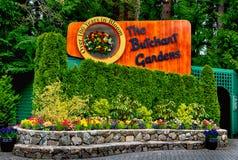WIKTORIA, BC - Kwiecień 9: Znak butchart uprawia ogródek na Apri zdjęcie stock