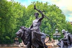 Wiktoria pomnik przy centrum handlowe drogą przed buckingham palace, Londyn Zdjęcie Stock