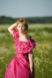 Wiktoriańska dziewczyna w rocznik menchii sukni Fotografia Royalty Free