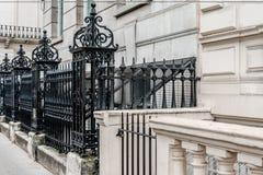 Wiktoriański uliczny czarny metalu ogrodzenie Zdjęcia Stock