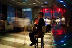 Wil Greenstreet som utför på Empire State Building Arkivbilder
