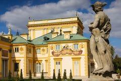 Wilanow宫殿&庭院。 在墙壁上的日规。 华沙。 波兰。 免版税库存照片
