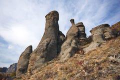 wild för berg för kolonncrimea liggande stenigt Royaltyfri Bild