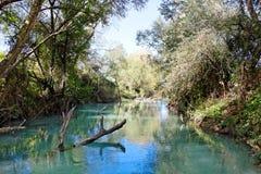 Wild flod nära Parga, Grekland, Europa Arkivfoto