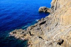 Wild Rotsachtig Strand dichtbij Manarola royalty-vrije stock fotografie