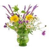 Wilde bloemen in een vaas royalty-vrije stock afbeelding
