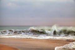 Wilde golven in de Indische Oceaan Royalty-vrije Stock Foto's