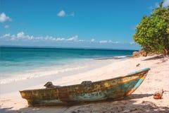 Wilde Insel in Karibischen Meeren stockfoto