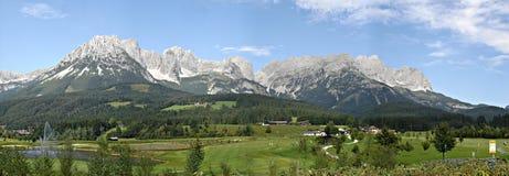 \ Wilde Kaiser \ in de Oost-Alpen Stock Foto