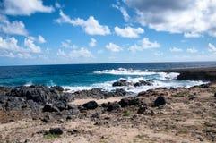Wilde Kustlijn van Aruba in de Caraïben stock foto