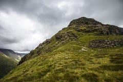 Wilde Landschaft bei Dore Head auf Yewbarrow im See-Bezirk von Cumbria, England lizenzfreies stockfoto