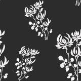 Wilde weiße Blumen des nahtlosen Musters auf dem schwarzen Hintergrund watercolor Stockfoto