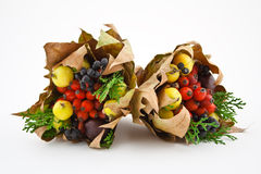 Wilder Fruchtblumenstrauß des Herbstes Stockfoto