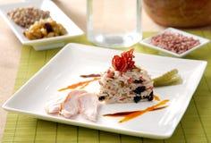 Wilder Reis mit Früchten und Truthahn Stockbild