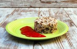 Wilder Reis mit Tomate Lizenzfreies Stockfoto