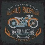 Wilder Rennläuferweinlesedruck mit Motorrad, Flügel Stockfotos