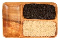Wilder, schwarzer, weißer Reis Stockfotos
