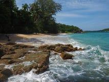 Wilder Strand in Phuket Lizenzfreies Stockbild