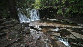 Wilder Wasserfall in Karpacz stock video footage