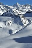 Wilderness skiing in the Swiss Alps Royalty Free Stock Images