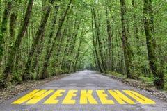 Wildernisweg aan weekend stock foto's