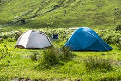 Wildes Kampieren in den wildernis von Glen Etive, Schottland stockbild