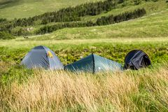 Wildes Kampieren in den wildernis von Glen Etive, Schottland lizenzfreies stockfoto