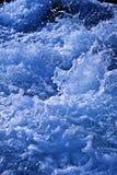Wildes Wasser spritzt Lizenzfreies Stockbild