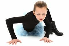 Wildfang-Mädchen in den Radfahrer-Matten und dem Ballettröckchen Stockfotos