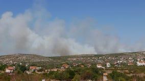 Wildfire die het land in Kroatië verwoesten royalty-vrije stock fotografie