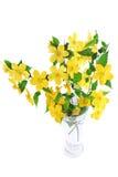 Wildflowers желтого цвета ноготк болотоа букета в вазе. стоковые фото