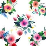 Wildflowers colorés de beau beau ressort floral mignon sophistiqué lumineux avec la composition en bourgeons Photographie stock