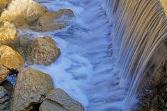 Wildwasser, stroomversnelling stock foto