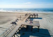 WILDWOOD, NOWY Czerwiec 25, 2017: - bydło, usa - Grzebienia woode i plaża Obrazy Royalty Free