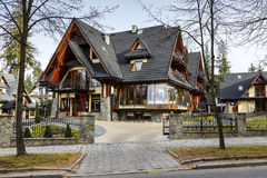 Willa Pod Skocznia Hotel em Zakopane imagem de stock royalty free
