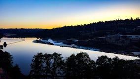 Willamette понижается после захода солнца стоковое изображение