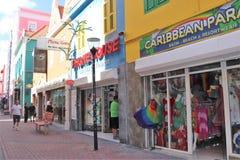 Willemstad Curacao - 12/17/17: Färgrika byggnader i i stadens centrum Willemstad, Curacao Royaltyfri Foto