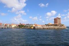 Willemstad, Curacao - 12/17/17: Kleurrijke Willemstad van de binnenstad, Curacao, in Netherland Antillen Royalty-vrije Stock Foto