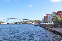 Willemstad, Curacao - 12/17/17 - regina Juliana Bridge dell'isola del Curacao; Immagini Stock