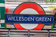 Willesden reen Ondergronds Postteken Londen Stock Afbeeldingen