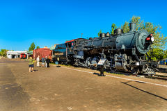 WILLIAMS AZ / COCONINO - 27 MAY 2017 - Unknown people watching an historic locomotive. 27 MAY 2017 - Unknown people watching an historic steam locomotive in Stock Image