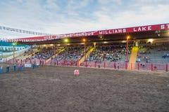 Williams Lake Stampede Park arena och ställningar fotografering för bildbyråer