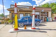 Vecchia stazione di servizio in Williams, U.S.A., all'itinerario 66 Fotografia Stock Libera da Diritti