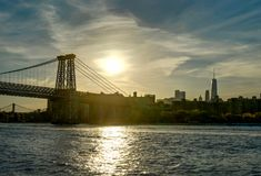 Williamsburg för New York horisontMahatten World Trade Center bro arkivbild