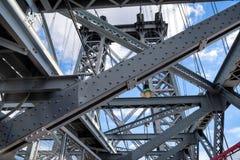 Williamsburg most jest zawieszenia mostem przez Wschodnią rzekę w Miasto Nowy Jork, usa zdjęcia royalty free