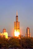 Willis Tower in Chicago nella sera Fotografia Stock Libera da Diritti