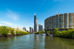 Willis Tower - formerly Sears Tower seen from Chicago river Stock Photos
