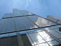 Willis Tower pointing high Royalty Free Stock Photos