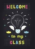 Willkommen zu meiner Klasse Lehrer-Klassenzimmer-Schulzeichen auf Tafel-Hintergrund Kreatives Aquarium mit kleine goldfis Stockbild