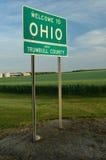 Willkommen zu Ohio-Zeichen auf Staatsgrenze-Grenze Stockfotografie